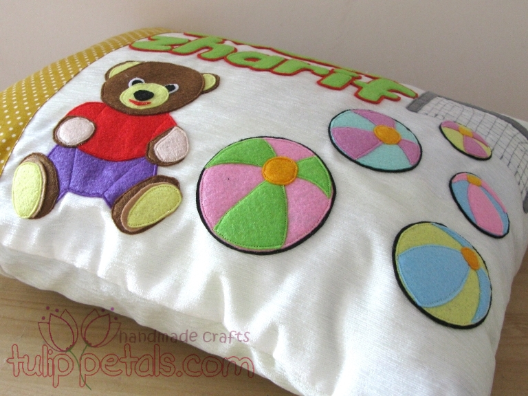 Sarung Bantal Felt Bear 02