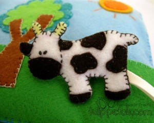 felt-craft-baby-soft-book-cow
