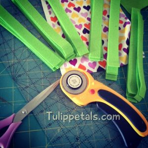 proses-busy-book-rotary-cutter